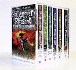 Skulduggery Pleasant Boxed Set : Skulduggery Pleasant - Playing with Fire - The Faceless Ones - Dark Days - Mortal Coil - Death Bringer - The End of the World - Derek Landy