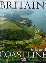 Britain's Coastlines from the Air : Published in Association with the Royal National Lifeboat Institution - Jane Struthers