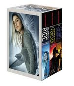Maximum Ride Boxed Set : The Fugitives: The Angel Experiment/School's Out - Forever/Saving the World and Other Extreme Sports - James Patterson