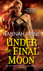 Under The Final Moon - Hannah Jayne