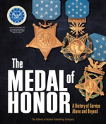The Medal of Honor : A History of Service Above and Beyond - Douglas Hardy