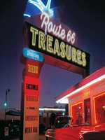 Route 66 Treasures : Featuring Rare Facsimile Memorabilia from America's Mother Road - Jim Hinckley