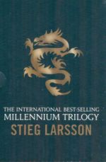 The Girl with the Dragon Tattoo / The Girl Who Played with Fire / The Girl Who Kicked the Hornets Nest  : Stieg Larsson Box Set - Stieg Larsson