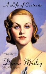 A Life of Contrasts : The Autobiography - Diana Mitford