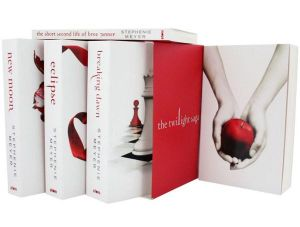 Twilight Saga - 5 Book Set (White Cover) : Twilight, New Moon, Eclipse, Breaking Dawn, The Short Second Life Of Bree Tanner - Stephenie Meyer